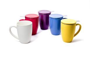 Pon color en tu cocina bebe t for Tazas de te con tapa